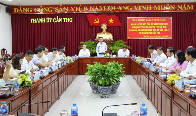 Trưởng Ban Tuyên giáo Trung ương Võ Văn Thưởng làm việc tại Cần Thơ - ảnh 1