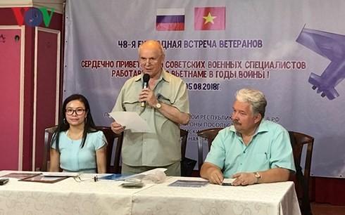 Nhân lên tình cảm các cựu chiến binh Nga từng công tác tại Việt Nam - ảnh 2