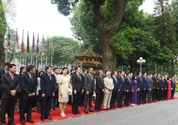 Lễ thuợng cờ ASEAN tại Hà Lan  - ảnh 1