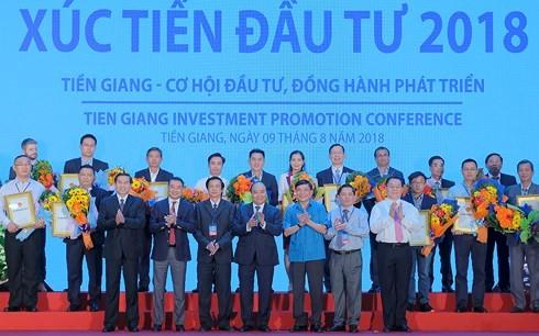 Thủ tướng Nguyễn Xuân Phúc dự Hội nghị Xúc tiến đầu tư tỉnh Tiền Giang 2018 - ảnh 4