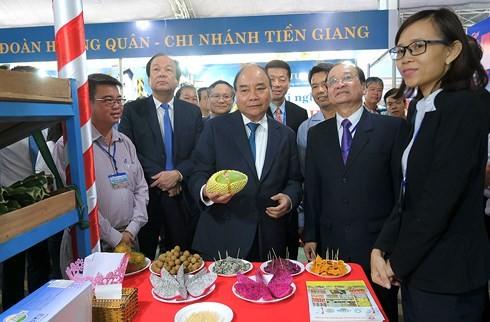 Thủ tướng Nguyễn Xuân Phúc dự Hội nghị Xúc tiến đầu tư tỉnh Tiền Giang 2018 - ảnh 1