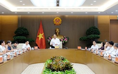 Thủ tướng Nguyễn Xuân Phúc chủ trì họp về chiến lược biển - ảnh 1