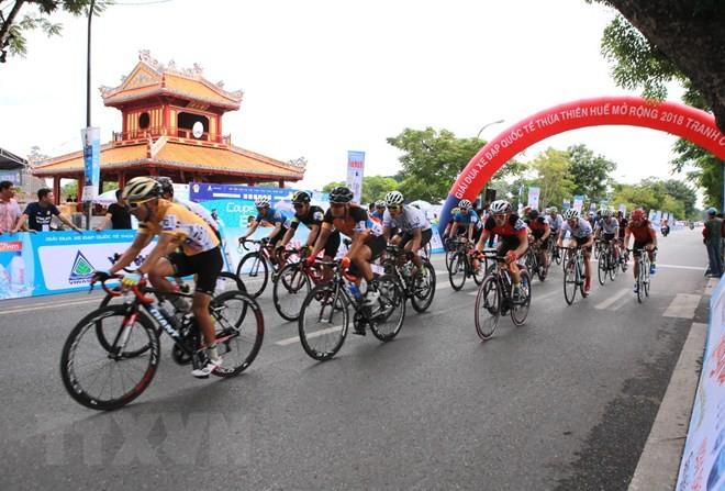 Khai mạc Ngày hội xe đạp thể thao đường trường quốc tế Coupe de Hue - ảnh 1