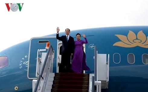 Chủ tịch nước gặp gỡ cán bộ nhân viên Đại sứ quán Việt Nam tại Ai Cập - ảnh 1