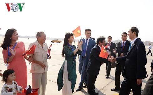 Chủ tịch nước gặp gỡ cán bộ nhân viên Đại sứ quán Việt Nam tại Ai Cập - ảnh 2