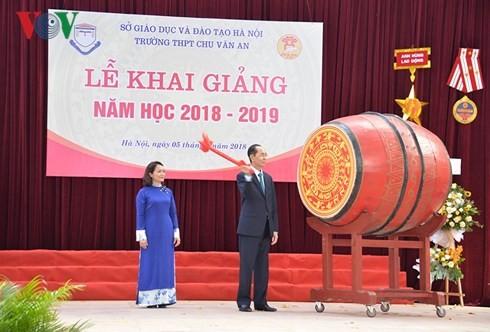 Chủ tịch nước dự Lễ khai giảng tại trường THPT Chu Văn An, Hà Nội - ảnh 4