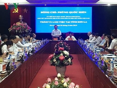 Phó Chủ tịch Quốc hội Phùng Quốc Hiển làm việc tại Sơn La - ảnh 1