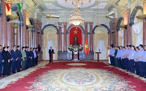 Chủ tịch nước trao quyết định bổ nhiệm 2 Phó Viện trưởng VKSND tối cao - ảnh 2