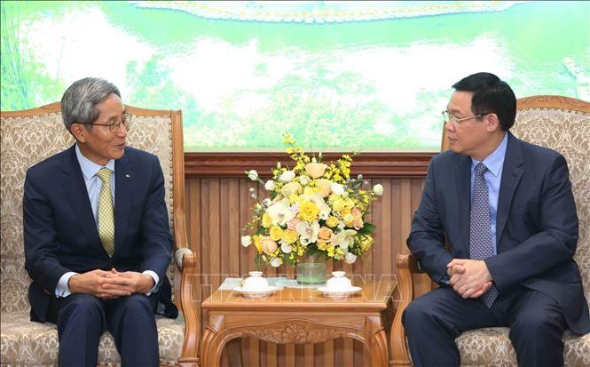 Phó Thủ tướng Vương Đình Huệ tiếp lãnh đạo Tập đoàn Tài chính Kookmin Hàn Quốc  - ảnh 1