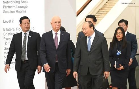 Thủ tướng Nguyễn Xuân Phúc tiếp Người sáng lập, Chủ tịch điều hành Diễn đàn Kinh tế thế giới Klaus Schwab - ảnh 1
