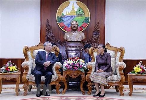 Thường trực Ban Bí thư Trần Quốc Vượng hội kiến Chủ tịch Quốc hội Lào - ảnh 1