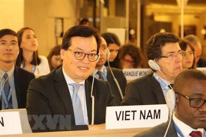 Việt Nam ủng hộ tăng cường hợp tác kinh tế Pháp ngữ - ảnh 1