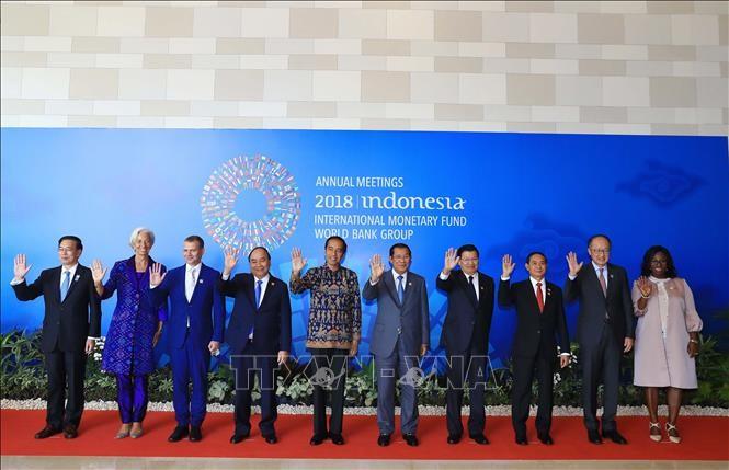 Thủ tướng Nguyễn Xuân Phúc tham dự khai mạc Hội nghị thường niên IMF - WB - ảnh 1