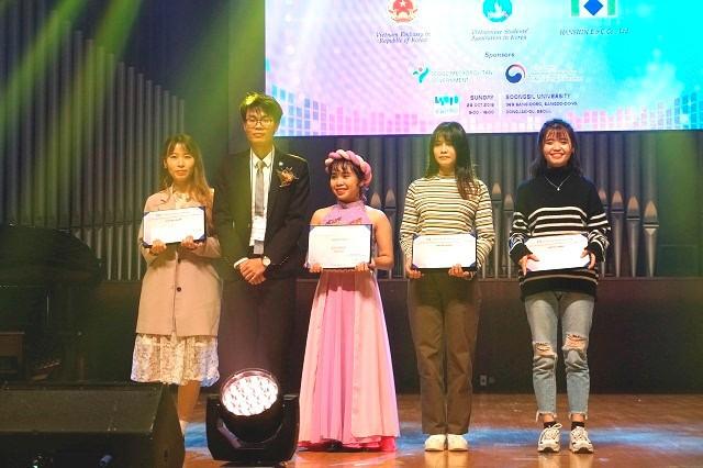 """Ngày hội sinh viên Việt Nam tại Hàn Quốc lần thứ 14 – """"Bữa tiệc văn hóa"""" dành cho sinh viên - ảnh 9"""