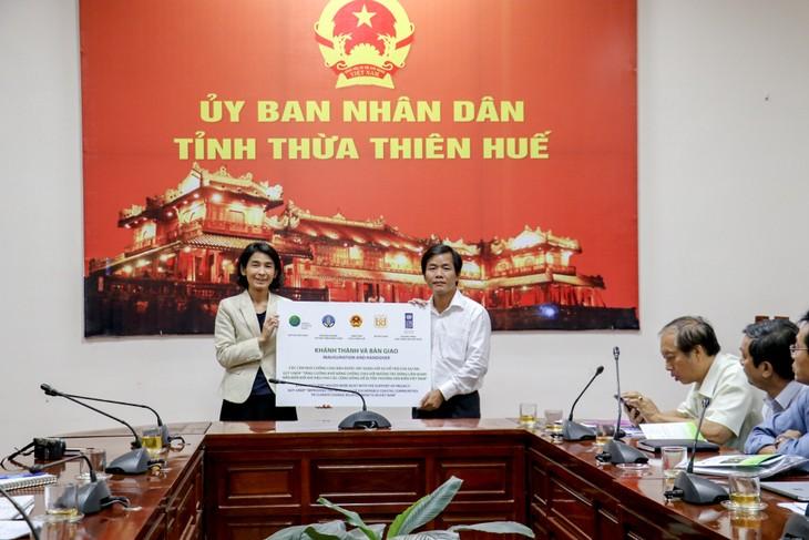 Thừa Thiên Huế tiếp nhận 107 ngôi nhà an toàn chống bão lũ cho các hộ nghèo - ảnh 1