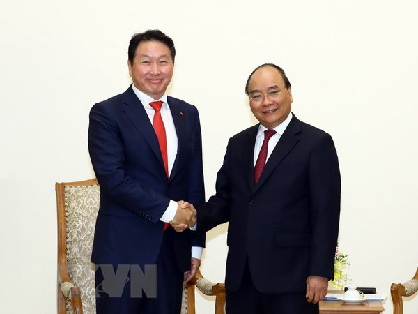 Thủ tướng Nguyễn Xuân Phúc tiếp Chủ tịch Tập đoàn SK Group, Hàn Quốc - ảnh 1