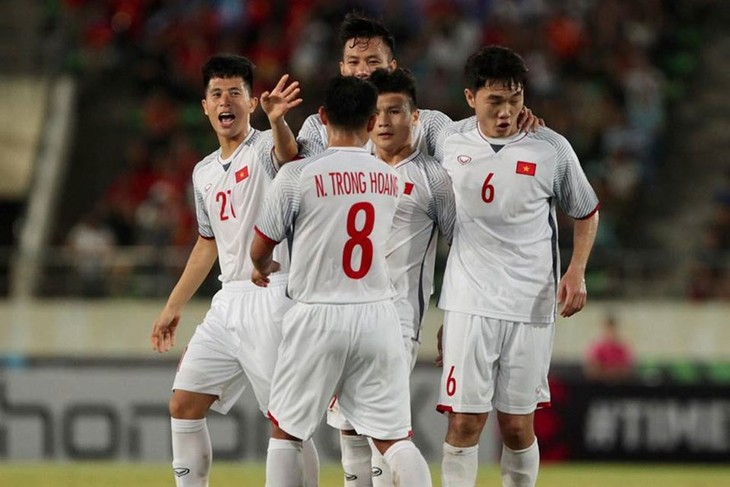Thắng Lào 3-0, đội tuyển Việt Nam khởi đầu AFF Suzuki Cup thuận lợi  - ảnh 1