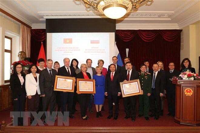 Việt Nam trao tặng Huân chương Hữu nghị cho 3 trường Đại học của Nga - ảnh 1