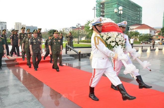 Campuchia tri ân các anh hùng liệt sĩ quân tình nguyện Việt Nam hy sinh tại Campuchia - ảnh 1
