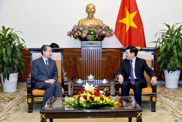 Phó Thủ tướng, Bộ trưởng Ngoại giao Phạm Bình Minh tiếp Đại sứ Trung Quốc tại Việt Nam - ảnh 1