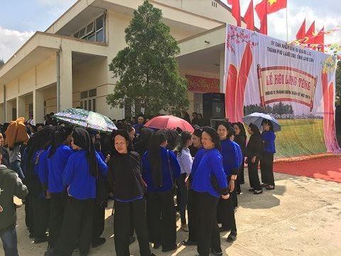 Người dân Việt Nam tưng bừng đón năm mới Kỷ Hợi - ảnh 4