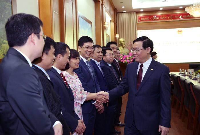 Phó Thủ tướng Vương Đình Huệ thăm, làm việc tại Ủy ban Quản lý vốn Nhà nước tại DN, Agribank, và VNPT - ảnh 1