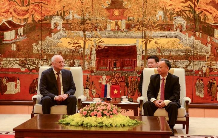 Lãnh đạo thành phố Hà Nội tiếp Phó Chủ tịch Cơ quan chống tham nhũng thuộc Tổng thống Liên bang Nga - ảnh 1