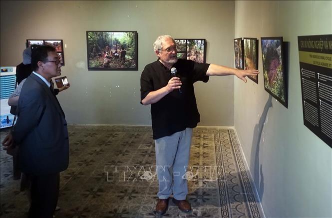Trưng bày hơn 250 bức ảnh của nhà khoa học người Hungary về dân tộc Bru - Vân Kiều ở Việt Nam - ảnh 1