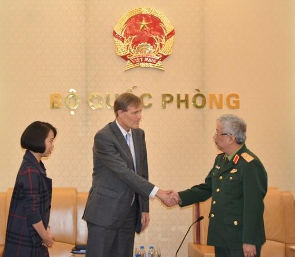 Thượng tướng Nguyễn Chí Vịnh tiếp Giám đốc USAID VN và Đại sứ Italiy - ảnh 1