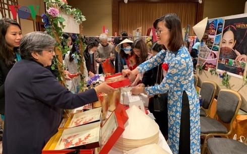 Việt Nam tham gia Hội chợ từ thiện tại Nhật Bản - ảnh 1