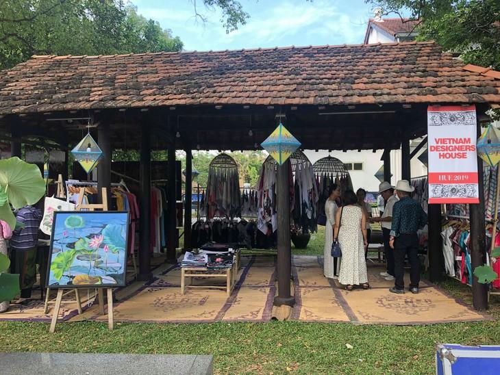 Đặc sắc Không gian tôn vinh nghệ nhân tại Festival nghề truyền thống Huế - ảnh 2