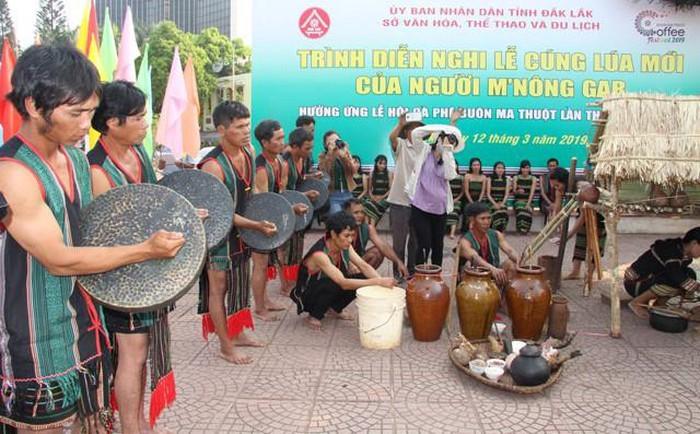 Độc đáo lễ cúng mừng lúa mới của người M'nông gar - ảnh 2