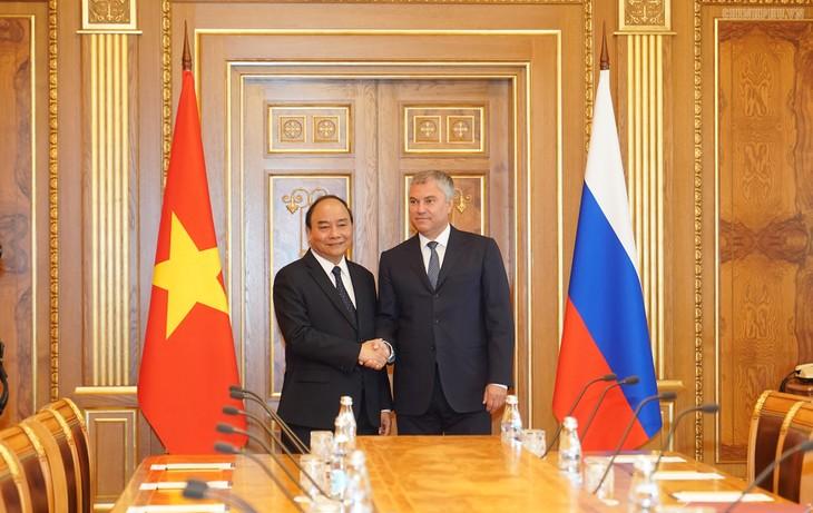 Thủ tướng Nguyễn Xuân Phúc hội kiến với Chủ tịch Đu-ma quốc gia Nga  - ảnh 1