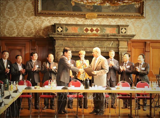 Tăng cường hợp tác giữa tỉnh Long An và thành phố Leipzig (CHLB Đức) - ảnh 1