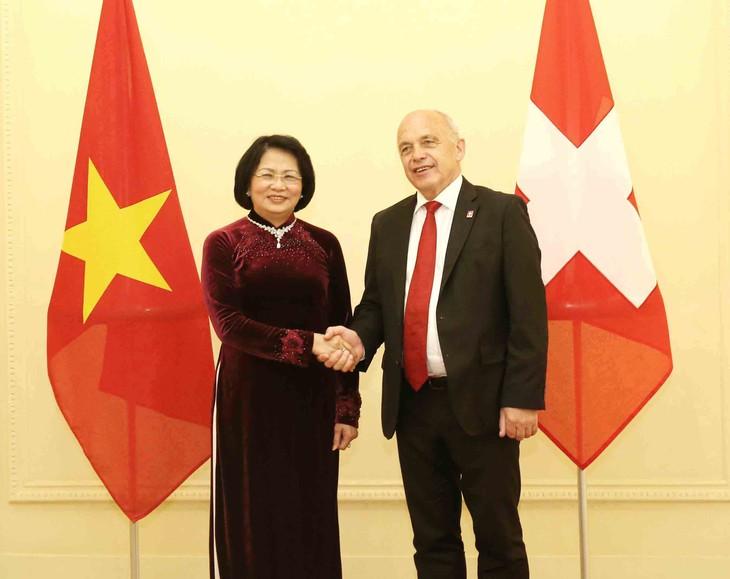 Phó Chủ tịch nước Đặng Thị Ngọc Thịnh hội kiến Tổng thống Thụy Sĩ - ảnh 1