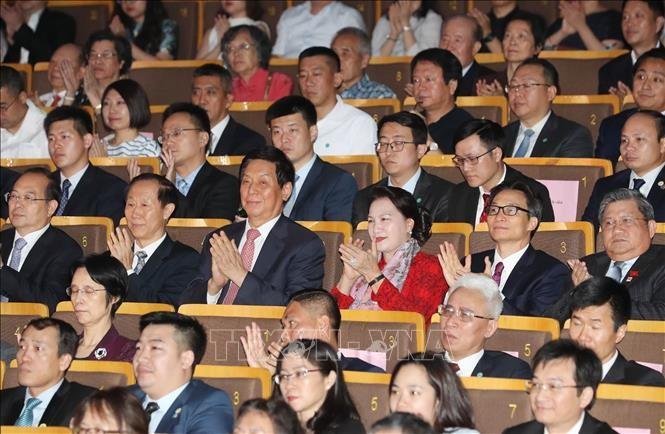 Chủ tịch Quốc hội Nguyễn Thị Kim Ngân dự Chương trình nghệ thuật Nhịp cầu hữu nghị tại Bắc Kinh, Trung Quốc - ảnh 1