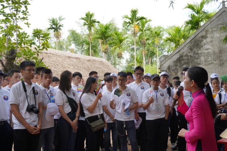 Trại hè Việt Nam 2019: Thanh thiếu niên kiều bào về thăm quê Bác - ảnh 2