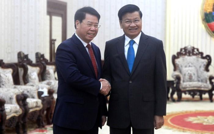 Thủ tướng Lào tiếp Thứ trưởng Bộ Công an Bùi Văn Nam - ảnh 1