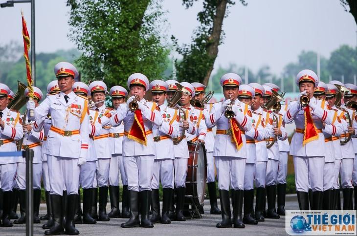 Lễ thượng cờ ASEAN – Kỷ niệm 52 năm ngày thành lập ASEAN - ảnh 1