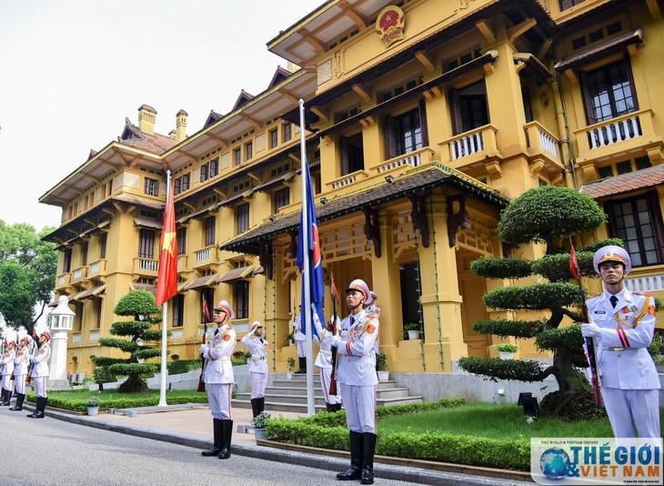 Lễ thượng cờ ASEAN – Kỷ niệm 52 năm ngày thành lập ASEAN - ảnh 2