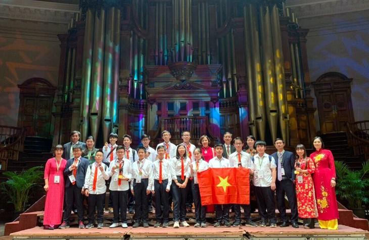 Đoàn học sinh Việt Nam giành 4 Huy chương Vàng tại Cuộc thi Toán học Trẻ quốc tế - IMC 2019 - ảnh 1
