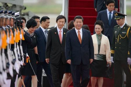 С визитом в Республику Корея прибыл председатель КНР Си Цзиньпин  - ảnh 1