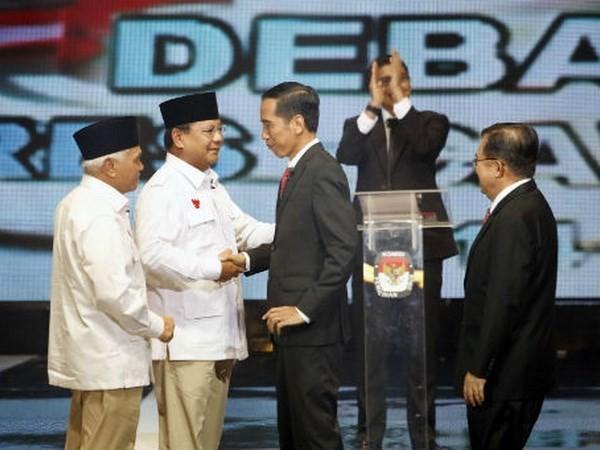 Президентские выборы в Индонезии - напряженная гонка между кандидатами - ảnh 1