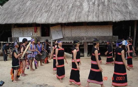 Знакомство с народностью М'Нонг, проживающей на плато Тэйнгуен - ảnh 3