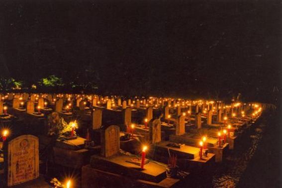 Посещение военного кладбища Чыонгшон в июльские дни - ảnh 1