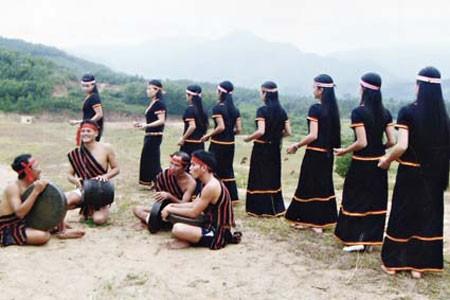 Специфические черты народности Хрэ - ảnh 1
