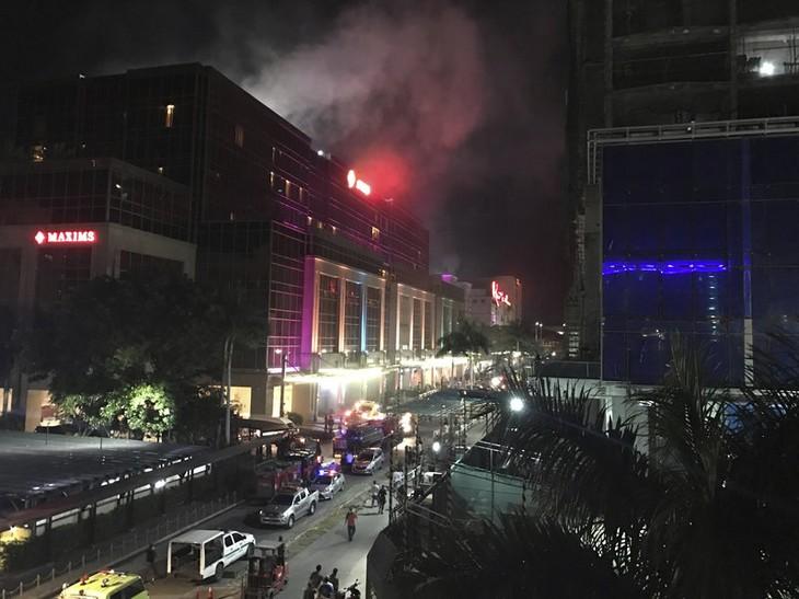 Десятки человек погибли в результате нападения на отель в Маниле - ảnh 1