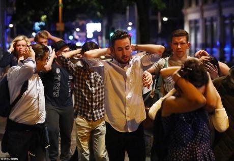 Пока нет информации о пострадавших вьетнамских гражданах в результате терактов в Лондоне - ảnh 1