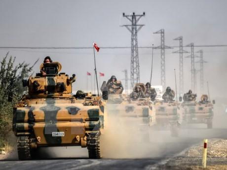 Турция не планирует пересматривать решение о размещении военной базы в Катаре - ảnh 1
