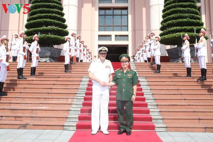 Во Вьетнаме с рабочим визитом находится делегация министерства обороны Австралии - ảnh 1